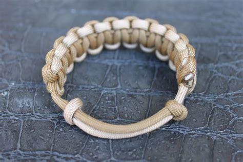 adjustable paracord bracelet crafts