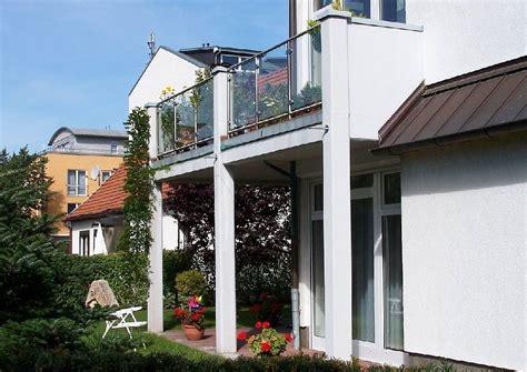 Terassen Gestaltung 4709 by Terrasse Unter Einem Balkon