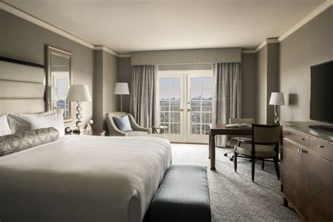 Hotel Rooms In St Louis by Luxury Hotel Rooms Suites In St Louis The Ritz