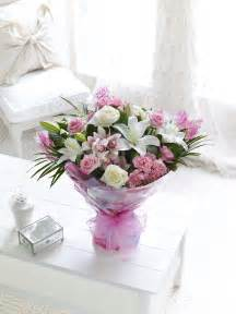 flowers for mothers day mothers day flowers from interflora ireland mothersdayflowers ie