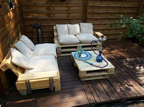 arredare giardino con bancali mobili con bancali in legno riciclati idee estrose per la