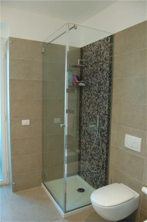 docce ad angolo box doccia ad angolo capurso