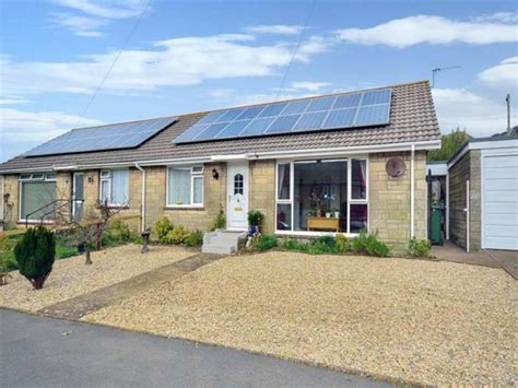 bungalows for sale on the isle of wight 2 bedroom bungalow for sale in downside ventnor po38