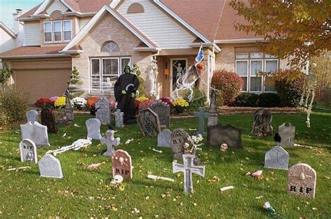 yard decorations ideas 13 halloween front yard decoration ideas