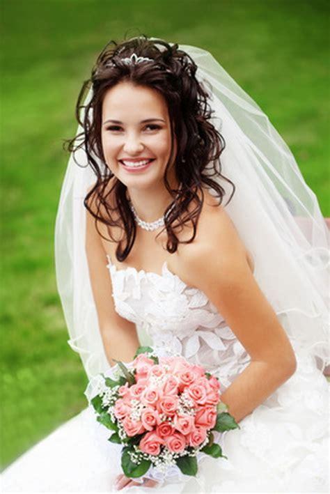 Halb Hochgesteckte Brautfrisur by Brautfrisur Halb Hochgesteckt