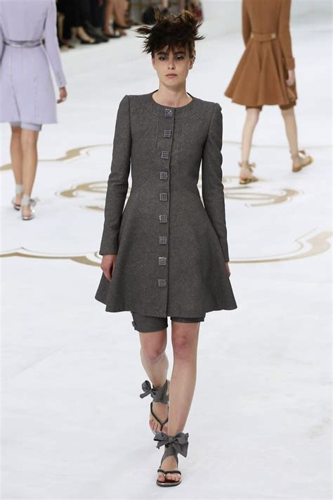 Winter At Chanel by Chanel Couture Fall Winter 2014 Nowfashion