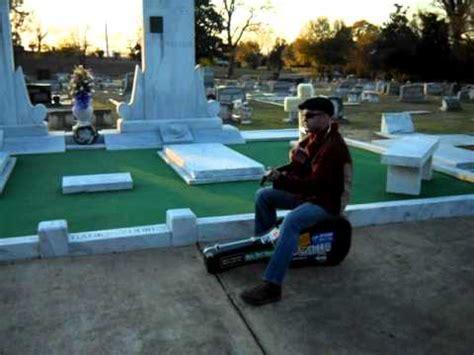 leo disanto at hank williams grave site. montgomery