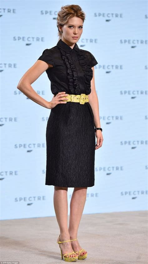 lea seydoux dress spectre lace new bond lea seydoux dresses the part in lace on lace
