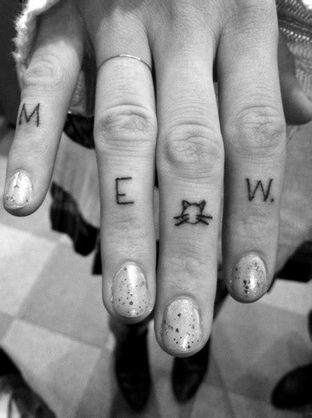 tattoo finger cat mew cat tattoos on fingers