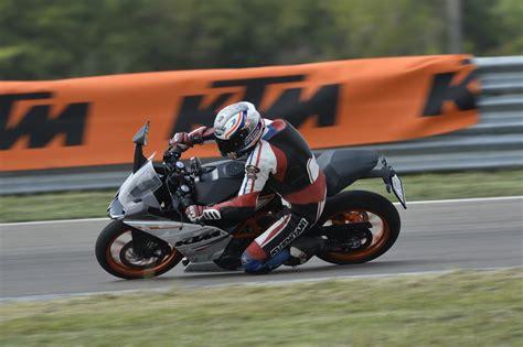 Ktm Test Ktm Rc390 Test Actionfotos Motorrad Fotos Motorrad Bilder
