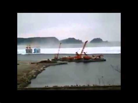 imagenes tsunami en japon espectaculares imagenes del tsunami de japon youtube