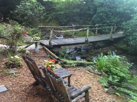 timberwolf creek bed breakfast curve of the creek bar area picture of timberwolf creek