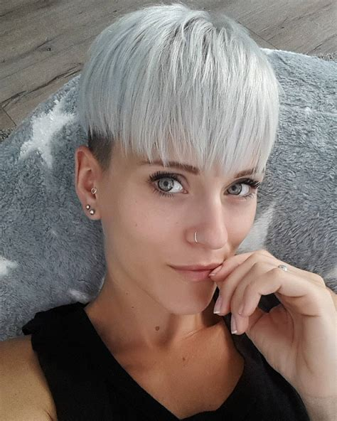 pixie haircut women over 40 10 trendy short hairstyles for women over 40 crazyforus