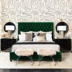 emerald green bedroom 25 best ideas about emerald bedroom on pinterest green bedroom decor green