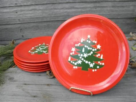 6 red and green christmas tree dinner plates
