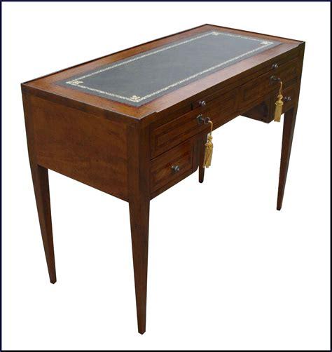 mobili in pelle scrittoio luigi xvi con piano in pelle la commode di