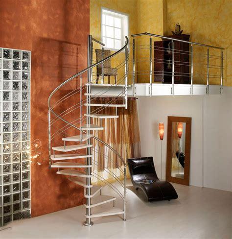 corrimano scala a chiocciola scale in legno su misura roma