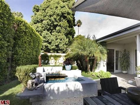 selma blair home listed at 1 78 million photos huffpost