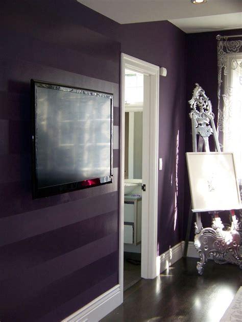gorgeous striped wallpaper   room  pics