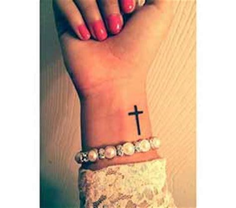 tatouage poignet homme 1001 tatouage homme.fr