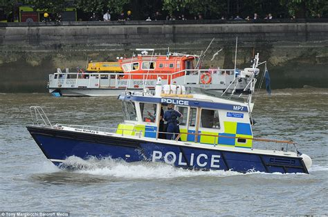 river thames duck boat thirty people jump into the thames after duck boat sets on