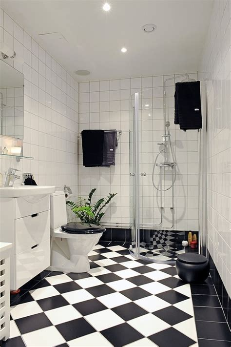 Black And White Tiled Bathroom Ideas by 18 Best Images About Black And White Bathroom On