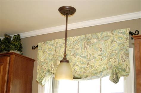 How To Make Kitchen Curtains And Valances How To Make Easy Curtainsliving Rich On Less