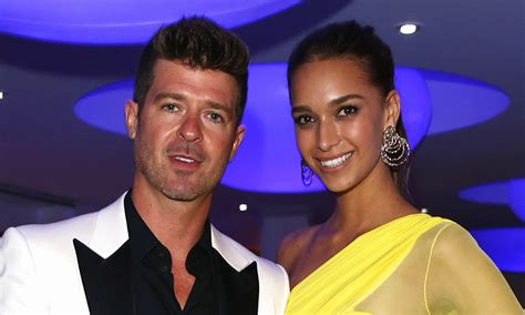 april love geary robin thicke robin thicke and girlfriend april love geary expecting