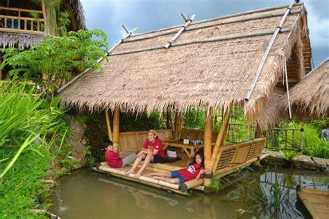 Ranjang Lesehan bukit air resto spots liburan anak