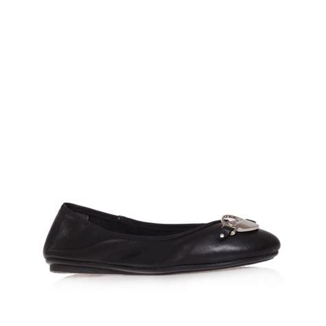 dkny shoes dkny deborah ballerina shoes in black lyst