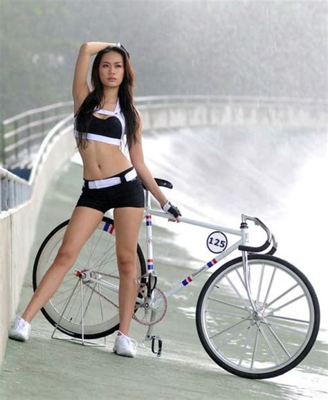 hot girls on fixie bikes 1412 best images about hot girls riding bicycle s on