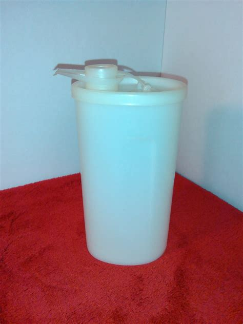 Tupperware Sweet tupperware sweet saver 640 honey or syrup dispenser salad