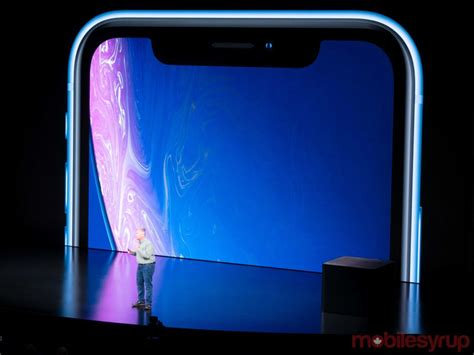 apple announces iphone xr budget smartphone