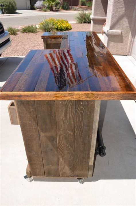 pallet bar top 474 best images about outdoor bars and counter tops on
