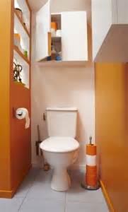 cacher les toilettes derri 232 re une cloison styles de bain