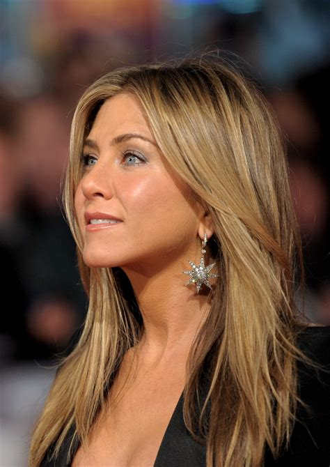 what is the formula to get jennifer anistons hair color formulas for jennifer aniston hair color short hairstyle