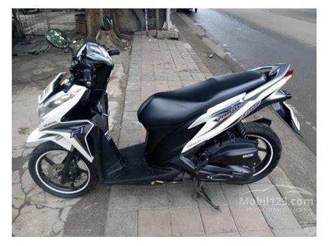 Vario 125 Putih 2015 jual motor honda vario 2013 0 1 di dki jakarta automatic