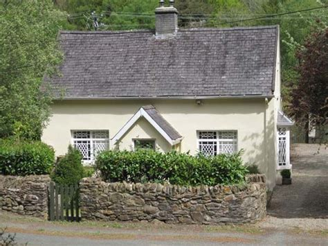 Weekend Cottage Breaks Ireland by River Run Cottage Avoca County Wicklow Avoca Self