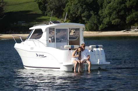 self driving boat hire self drive motor boat sydney harbour east sail
