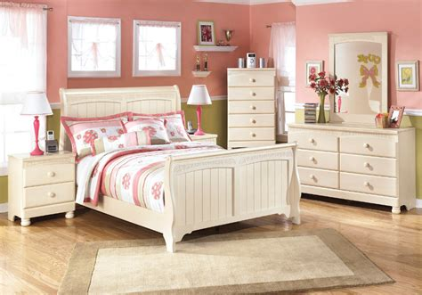 sleigh bed bedroom set cottage retreat full sleigh bed set