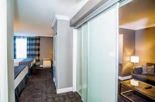 Hotels In Mississauga With Rooms by Book Sandman Signature Mississauga Hotel In Mississauga