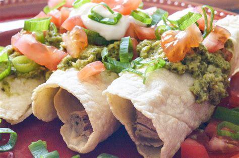enchiladas de puerco con salsa de chile poblano pork enchiladas with creamy poblano sauce
