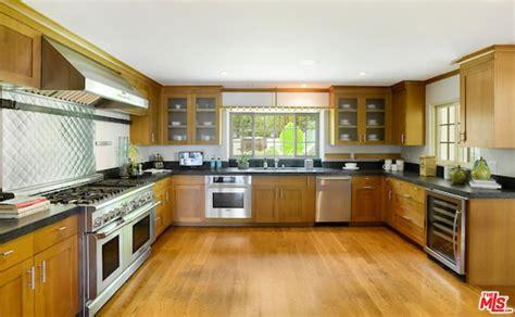 go inside 10 stunning celebrity kitchens 30 stunning celebrity kitchen designs photo gallery
