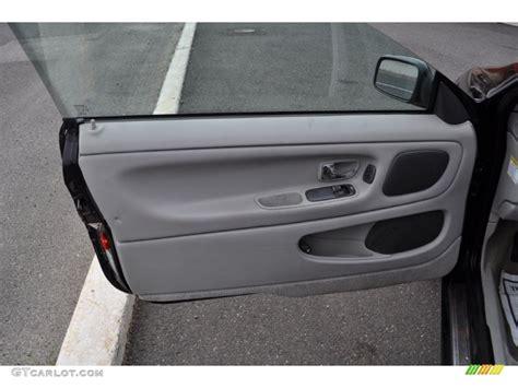 Panel C70 2002 Volvo C70 Ht Coupe Gray Door Panel Photo 50345649