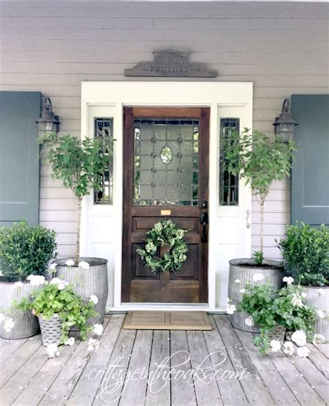 summer front porch cottage in the oaks home matters linky party 135