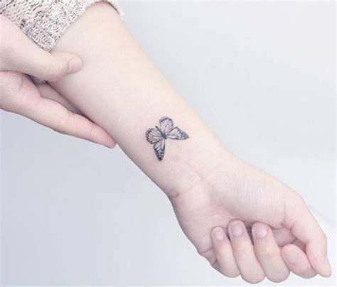 23 adorable small butterfly tattoo ideas for women