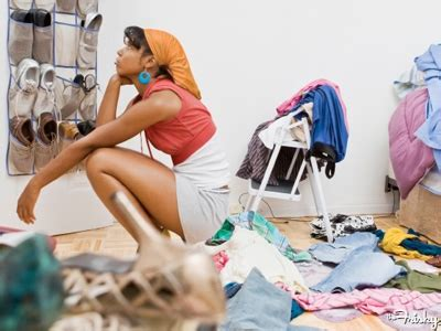 spring cleaning tips for a fresh closet full wallet poshmark blog 5 reasons to spring clean your closet the frisky