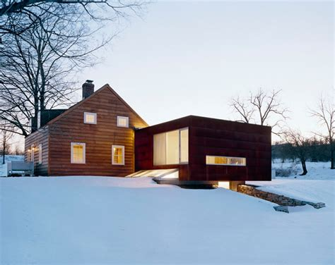 Ten Broeck Cottage by Superbalanced Messana O Rorke S Juxtaposition Of