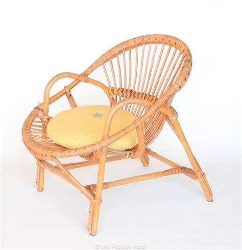 fauteuil rond rotin coussin pour fauteuil en rotin