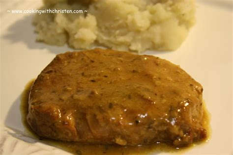 pork chops and brown gravy in slow cooker
